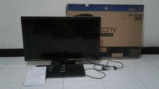 "SAMSUNG LEDTV 32"" + LG DVD Player"