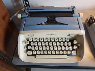 royal cursive typewriter