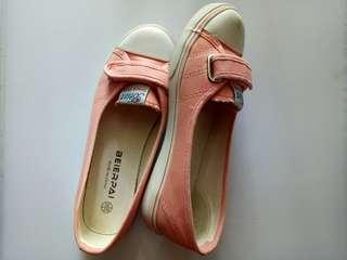 Shoes Preloved Peach Sneakers