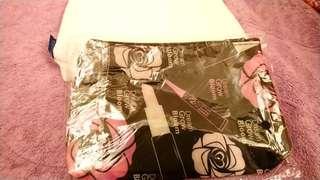黑色粉玫瑰化妝包