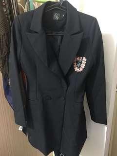 🚚 黑色長版修身西裝外套
