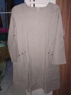 Baju abuabu