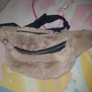 Stradivarius waist bag furr NEW NETT