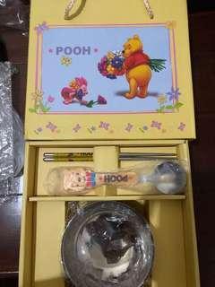 🚚 小熊維尼兒童餐具禮盒