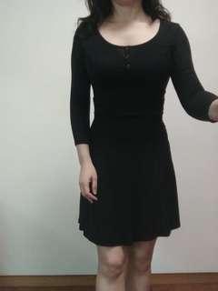 🚚 近新 西班牙Bershka洋裝