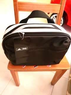 BN Adidas Pouch Bag Shoe Bag Toiletries