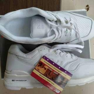 NB. WHITE NEW BALANCE 997 MADE IN USA