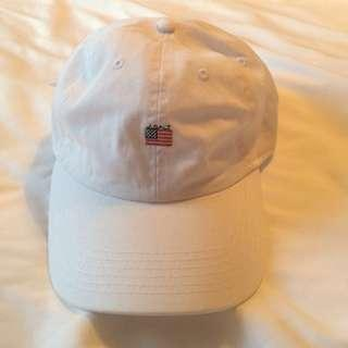 🚚 Brandy Melville USA flag white Katherine cap
