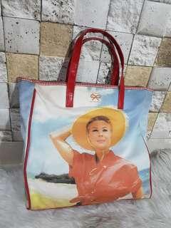 Anya Hindmarch tote bag size 28*28*7cm
