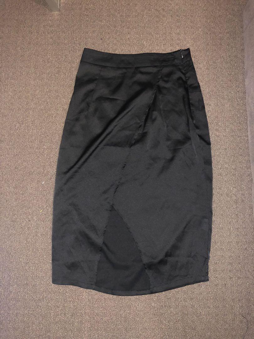 2 for 1 ! Meshki skirt included