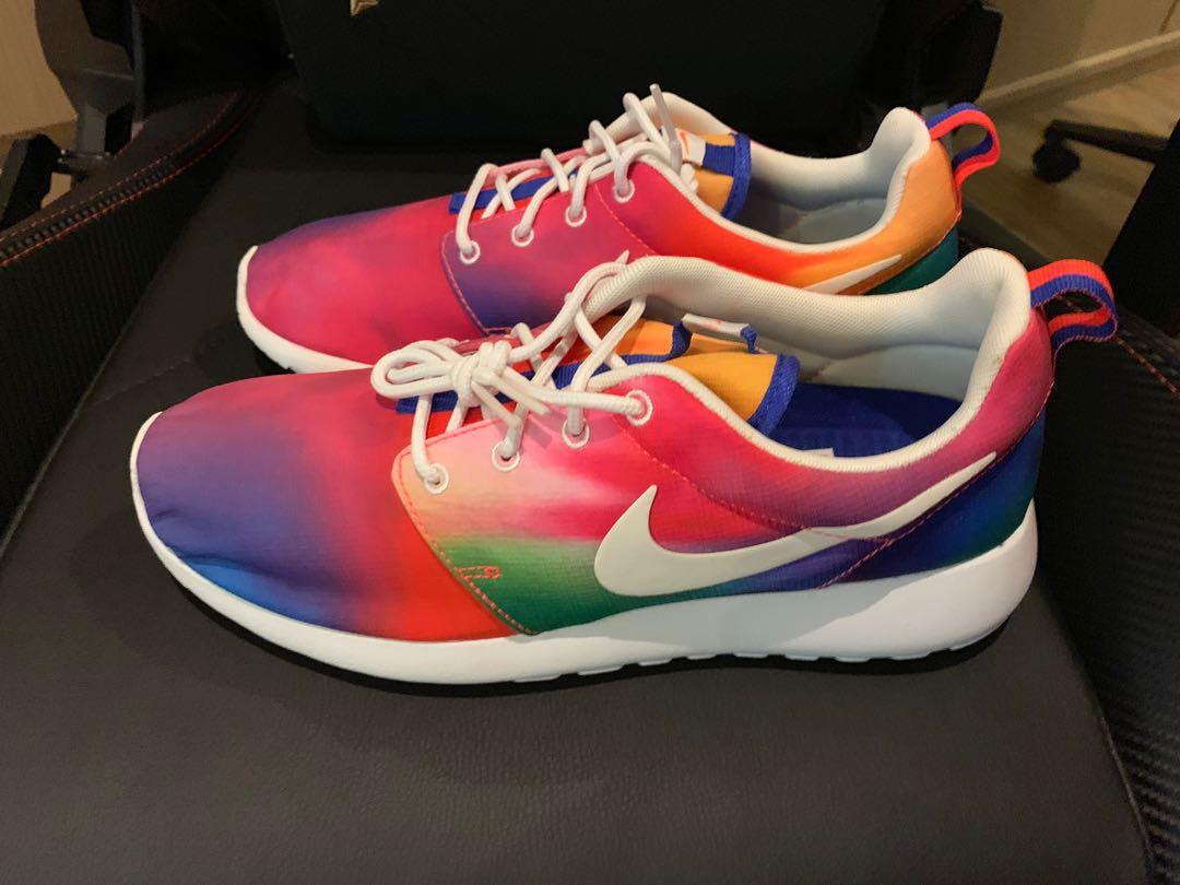 9e81740a4d5d Nike Roshe Run Tie Dye Rainbow US8