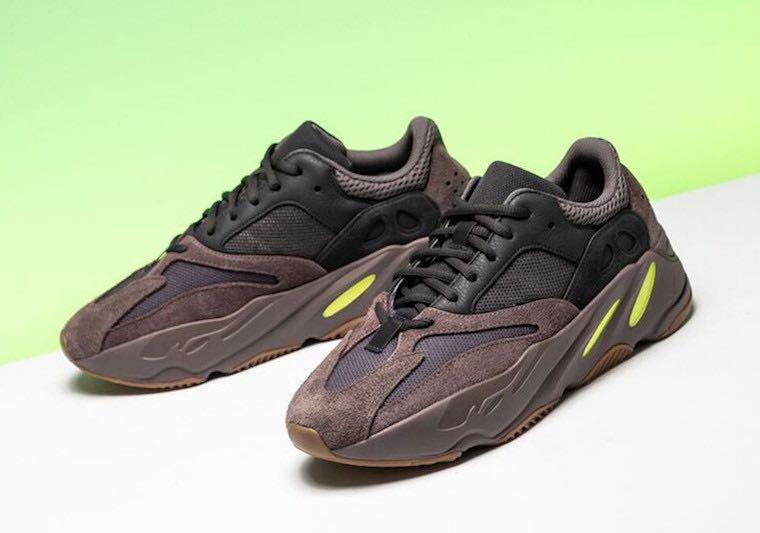 d0ef55aa Yeezy 700 Mauve Adidas, Men's Fashion, Footwear, Sneakers on Carousell