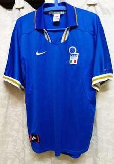Original Genuine Authentic Vintage Italy Football Team Home Jersey of the Year 1996/97' ( Vintage Collection ) Made in UK.