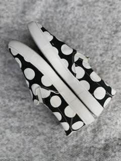 UNIQLO X MARIMEKKO Polka Dot Slip-On Canvas Sneakers