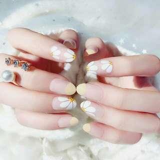 Fake Nails Ivory Chamomile Kuku Palsu