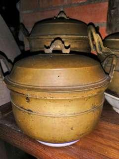 Periuk tembaga antik