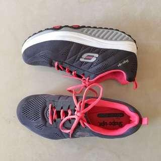 🚚 紐約帶回!99%新!Skechers Shape-ups 記憶墊機能鞋 Size26