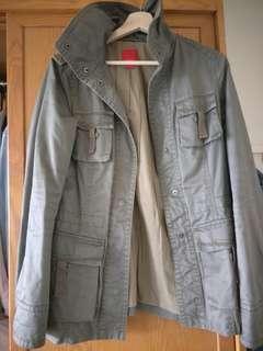 🚚 Esprit 軍綠外套
