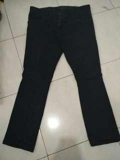 Clana jeans hitam clothing