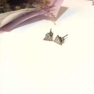 三角形水鑽耳釘#十二月女裝半價
