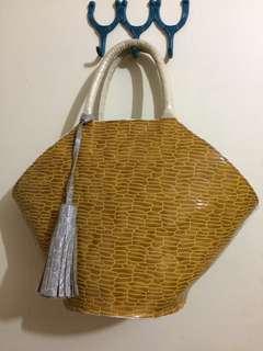 Leather fan bag
