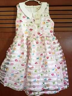 BNWT Pretty Floral  Girl Dress