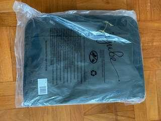 BNWT Jujube Be Moved