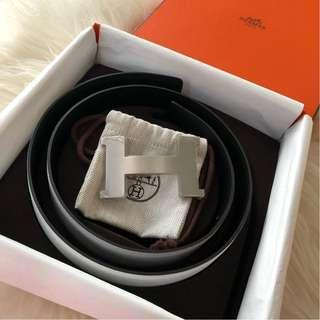 Brand New Unused Hermes 42mm Silver Buckle with Reversible White/Black Leather Belt