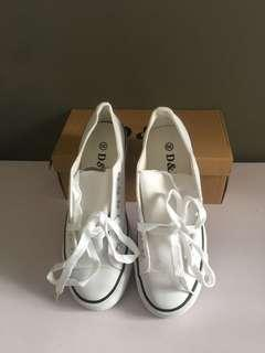 Size 39 White school Shoes