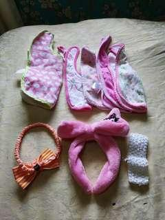 Preloved baby bibs and accesories