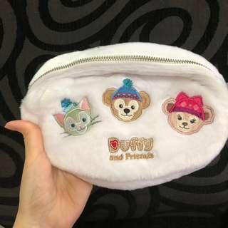 hk Disneyland duffy, Shelliemay, gelatoni, Stella Lou and cookie Christmas white fur pouch