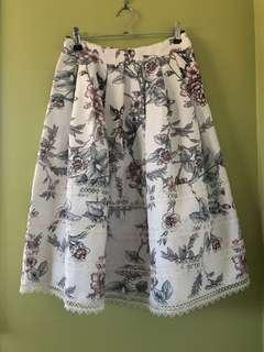 Gorgeous floral lace skirt Size 8