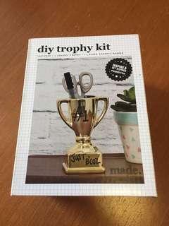 Typo DIY Trophy Kit