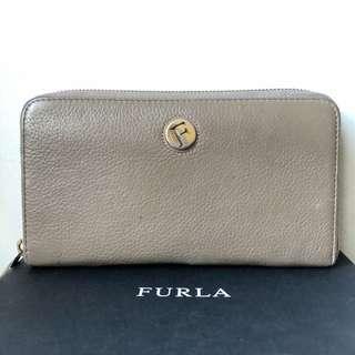 Preloved Furla Wallet Zip