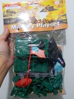 兵人玩具(星期一至五)9:30-5:30 在屯門華都花園交收