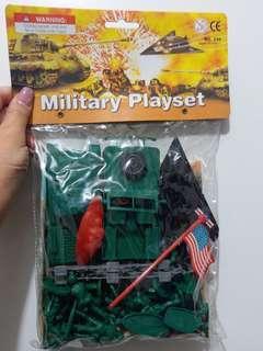 兵人玩具 (星期一至五)9:30-5:30 在屯門華都花園交收