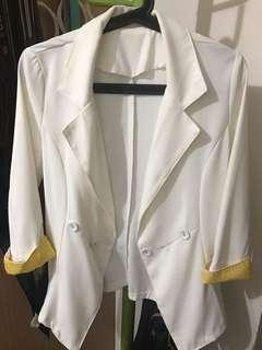🚚 米白修身西裝外套