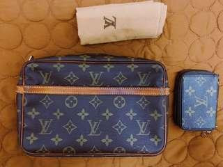 LV Clutch FREE LV small wallet !!
