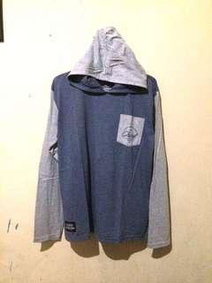 Kaos hoodie Chisel