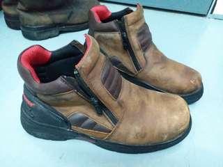 Safety boots black hammer