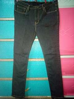 Herbench/ Black Pants