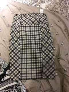 Cue size 10 skirt new with tags
