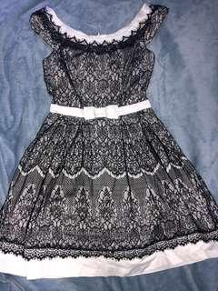 Review black and white size 8 lace dress