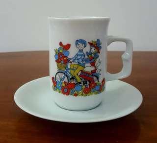 Ovaltine cup saucer set