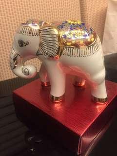 Thai elephant souvenir (ceramic)