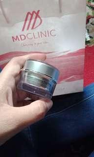 Sunscreen md glowing (sunscreen glowing plus pink)
