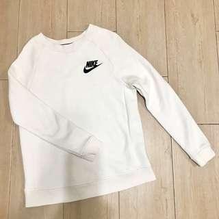 Nike top 95%new 只試穿過