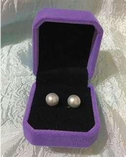 耳環5.3mm銀灰色淡水珠~天然淡水珍珠 Lustrous freshwater Pearl earrings~silver grey color