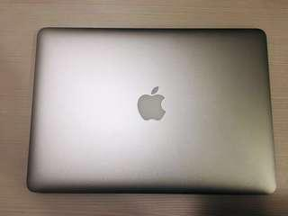 MacBook Air 13寸 2013年中購入