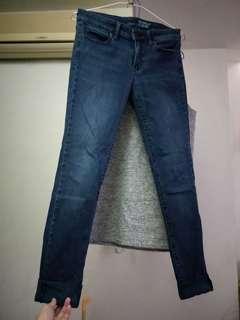 🚚 UNIQULO JEANS 小直筒牛仔褲
